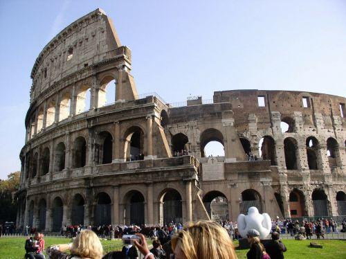 rome ancient ruins colosseum