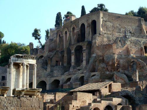 rome ruins ancient