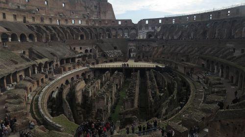 rome antique colosseum