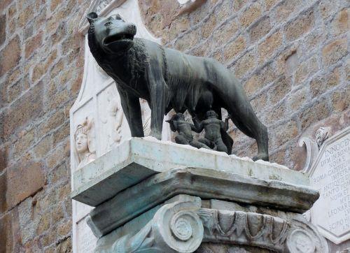 romulus remus capitoline wolf