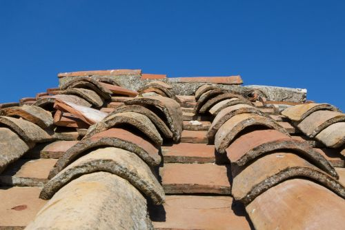 roof tiles house