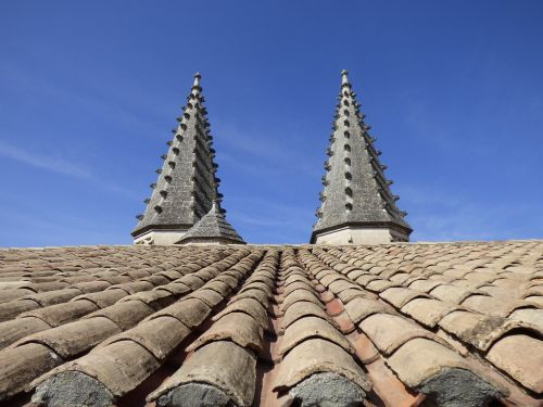roof pinnacles tiles