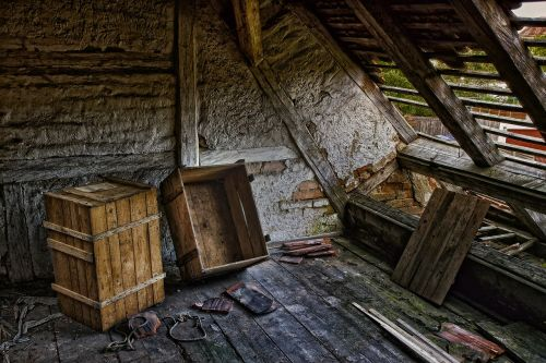 roof decay ruin