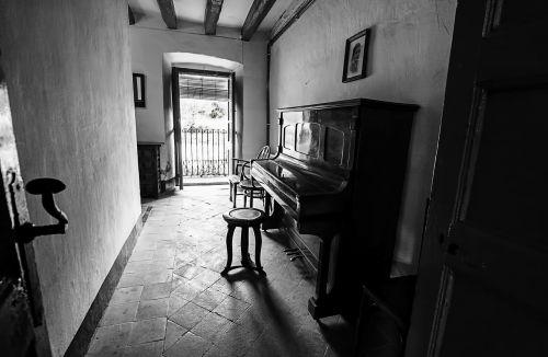 room abandonment memories