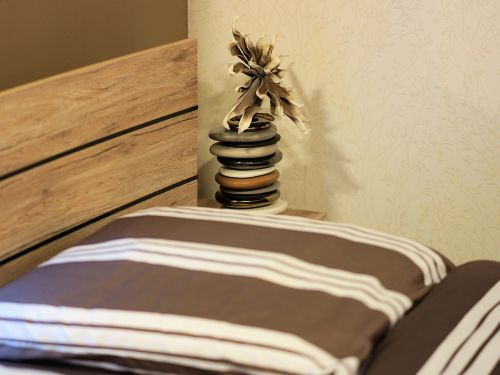 room bed bedroom