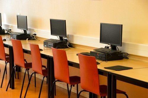 room  meeting  computer