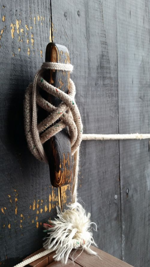 rope knot boat tie