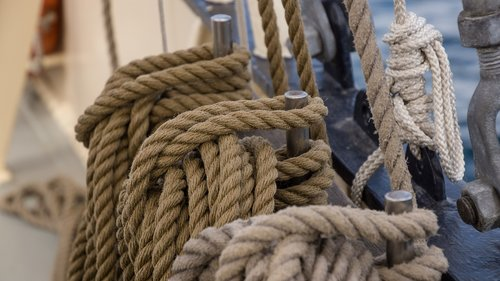 rope  knot  tied