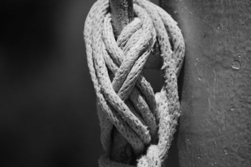 rope knot flag