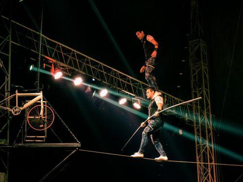 rope walkers acrobats rope