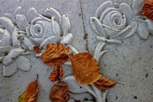 rose stone rose ornament