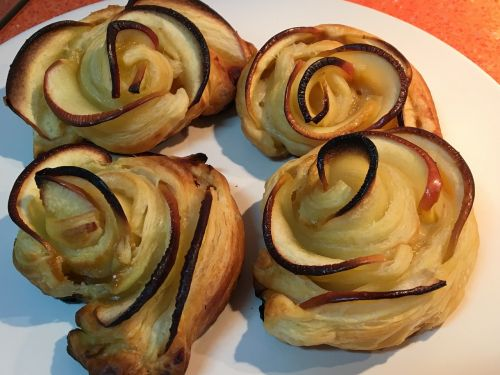 roses puff pastry dessert