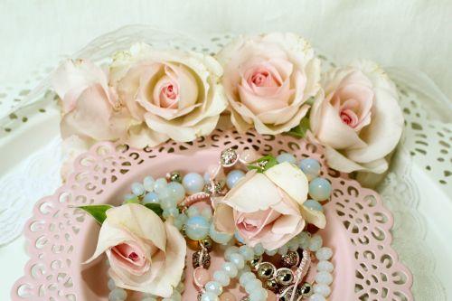 roses jewellery moonstone