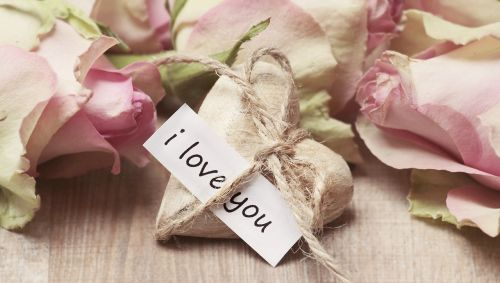 roses wooden heart heart