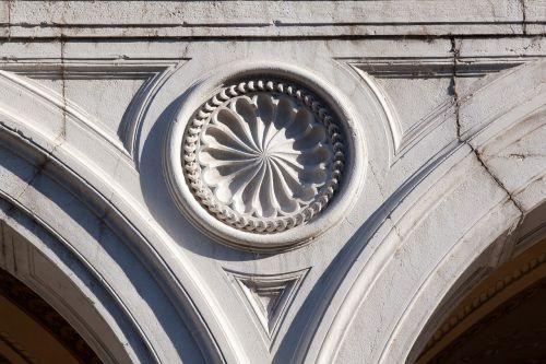 rosette loggia architecture