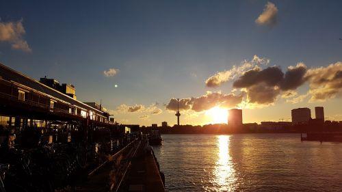 rotterdam sunset holidays