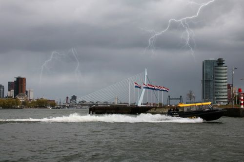 rotterdam water erasmus bridge