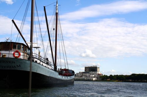 rotterdam boat port