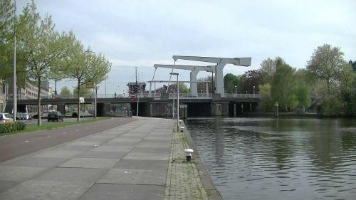 rotterdam water bridge