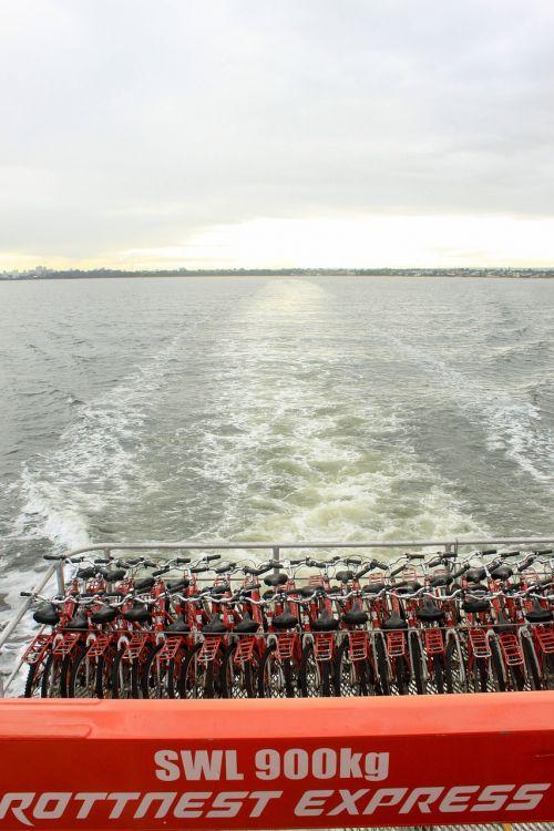 rottness island perth boat