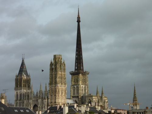 rouen cathedral sky