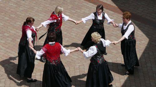 round dance dance hobby