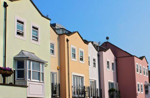 eiliniai namai,būstas,namai,namai,gyvenamasis,eilutė,real estte,kaimynystėje,butas,miesto,gyvenamoji vieta,Townhouse,miesto namai,nuosavybė,priemiestis,architektūra,architektūra,blokas,plėtra,Miestas,eksterjeras,miestas,investavimas,bendruomenė,portsmutas