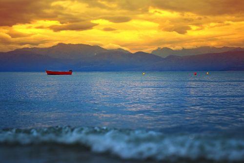 rowboat west sea