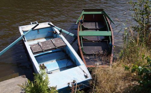 rowboat barge punts