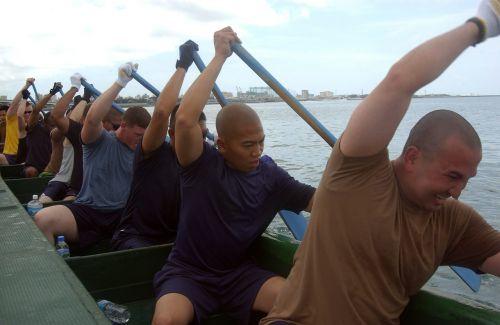 rowing team dragon boat teamwork