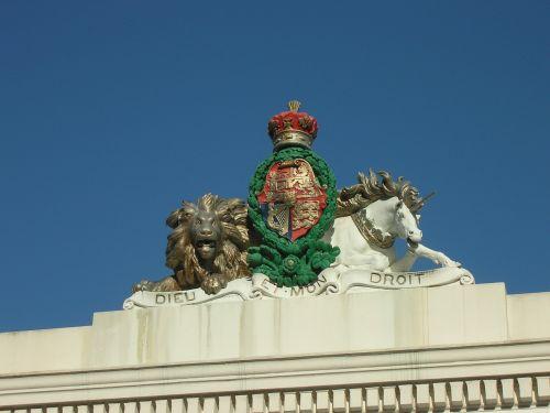royal emblem figurine