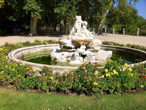royal palace gardens park
