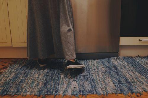rug floor shoes