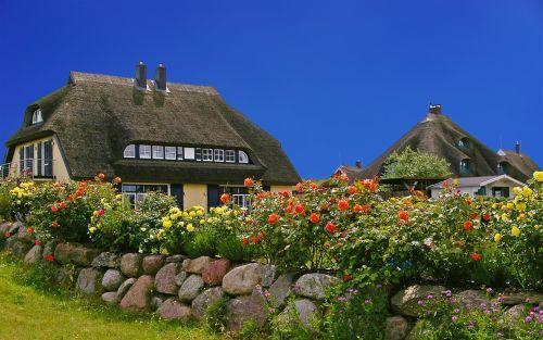 rügen island thatched