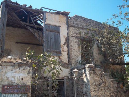 ruin building destroyed