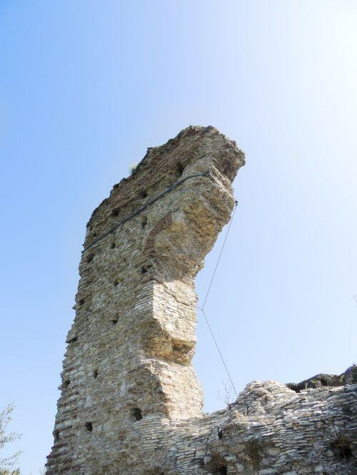 ruin arch wall