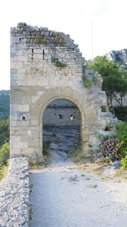 ruin castle ruin of philippe de cabassolle