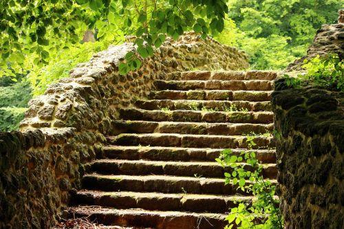 ruin stairs rasenerz