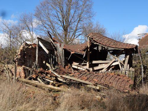 ruin collapsed dump
