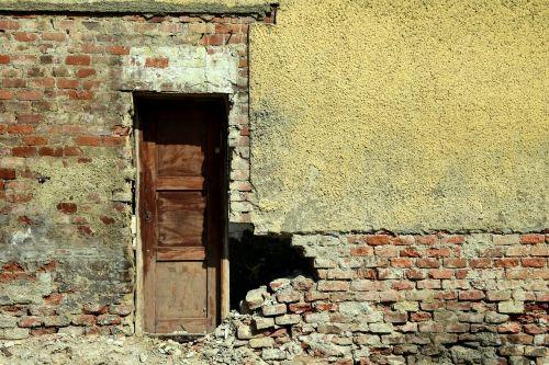 ruin house facade broken