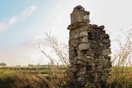 ruin casa antica colonnade