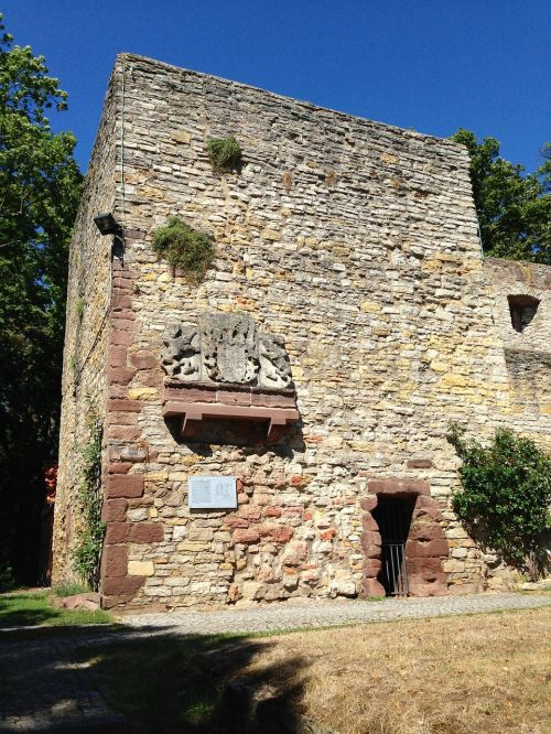 ruin middle ages building
