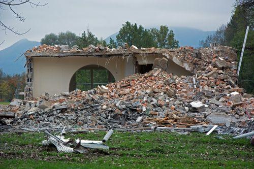 ruin crash broken