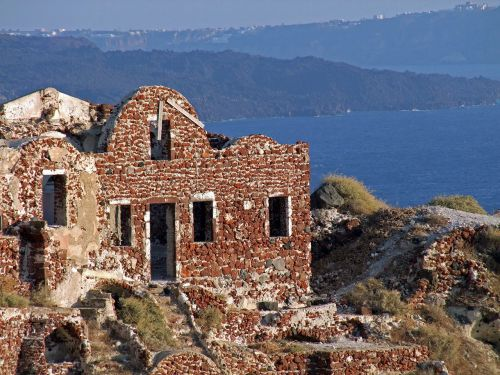 ruin old lapsed