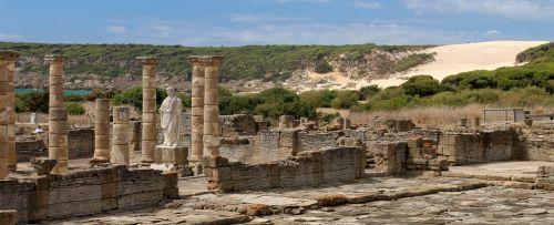 ruins roman monuments