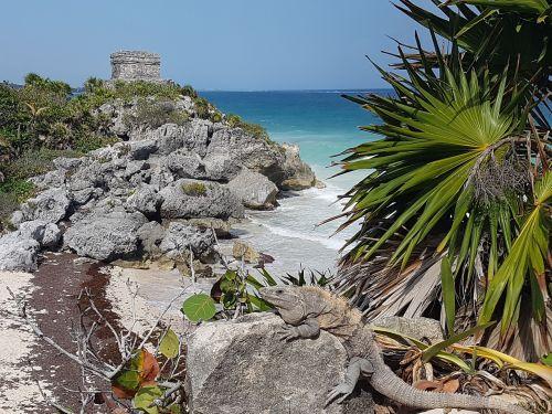 ruins maya yucatan