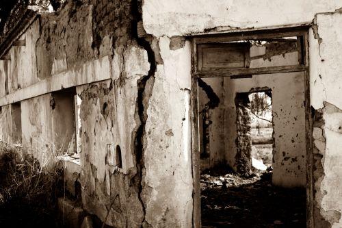 ruins ruin broken