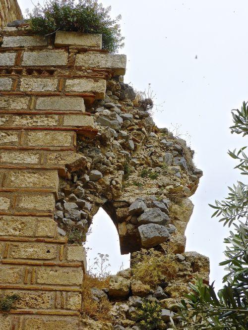 ruins derelict bricks