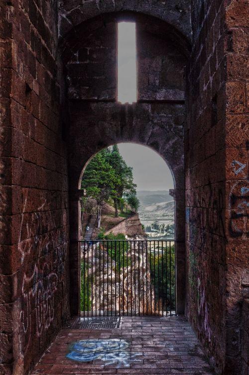 ruins castle graffiti