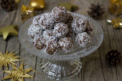 rum rum balls cookies